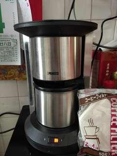 Coffee Maker with free filter.