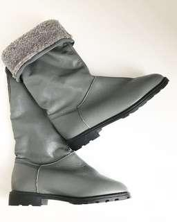 BNIB Size 6 Vintage Grey Genuine Leather Boots