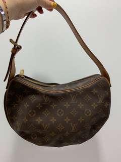 cb9c008429db6 Louis Vuitton Monogram Croissant MM Bag