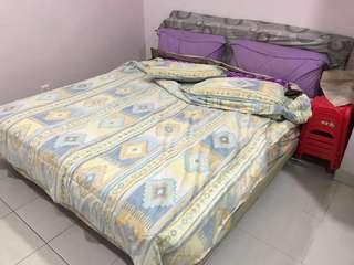 Mattress with bedframe - King Size