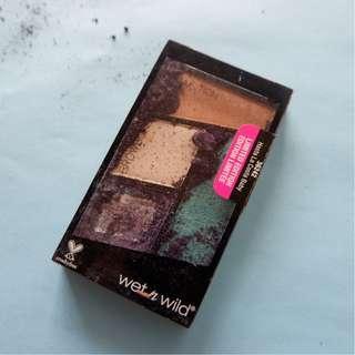Wet n Wild Eyeshadow Palette in Hasta La Costa Baby - Damaged