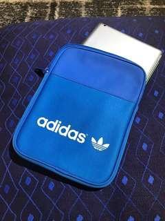 🚚 👍全新Adidas 三葉草 iPad保護套👍