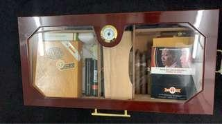 Cigar humidor cabinet 雪茄盒 only!!!!