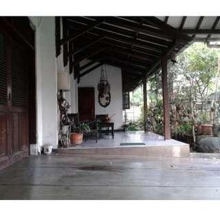 Rumah besar nyaman di kawasan elit Cipete, Jakarta Selatan( Rini )