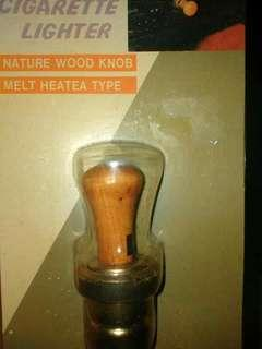 Pencucuh rokok jenis kayu