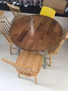 🚚 Dining set with 5 chairs