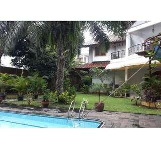 Rumah Besar Terawat Siap Huni di Kawasan Elit Pondok Indah, Jaksel ( Rini )