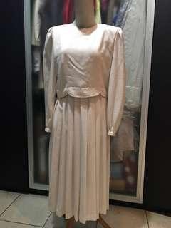 Long dress vintage putih