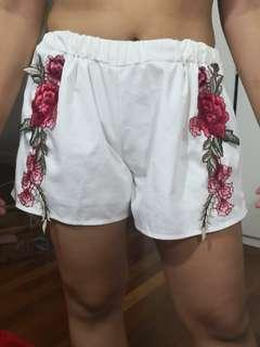 White Short w embroidery