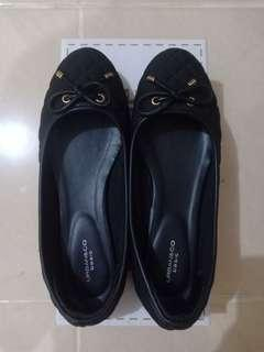 Preloved Flat Shoes