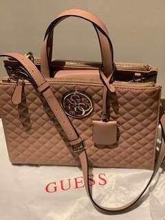 🚚 Guess bag