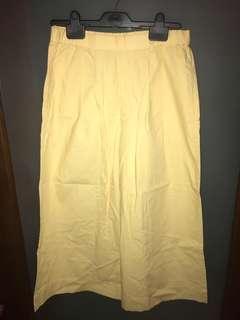 Uniqlo Yellow bottoms/cullotes XS