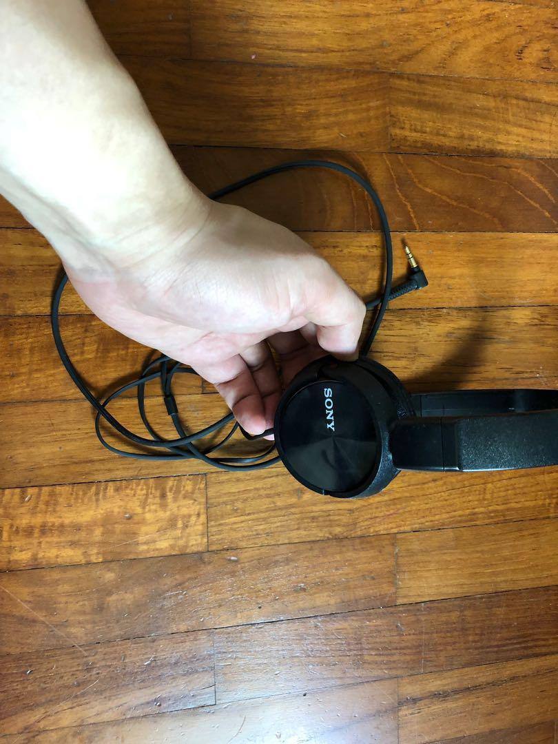 Headphones Sony.