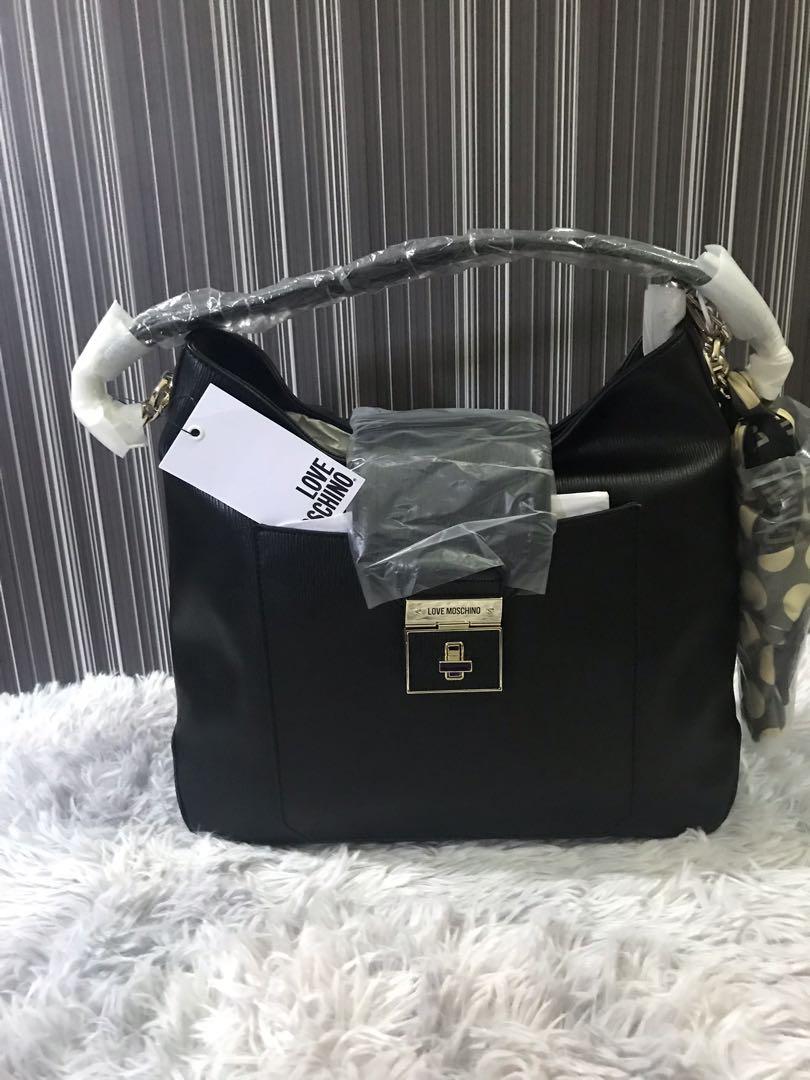 e7e158241b1 Love Moschino Nero Handbag, Women's Fashion, Bags & Wallets ...