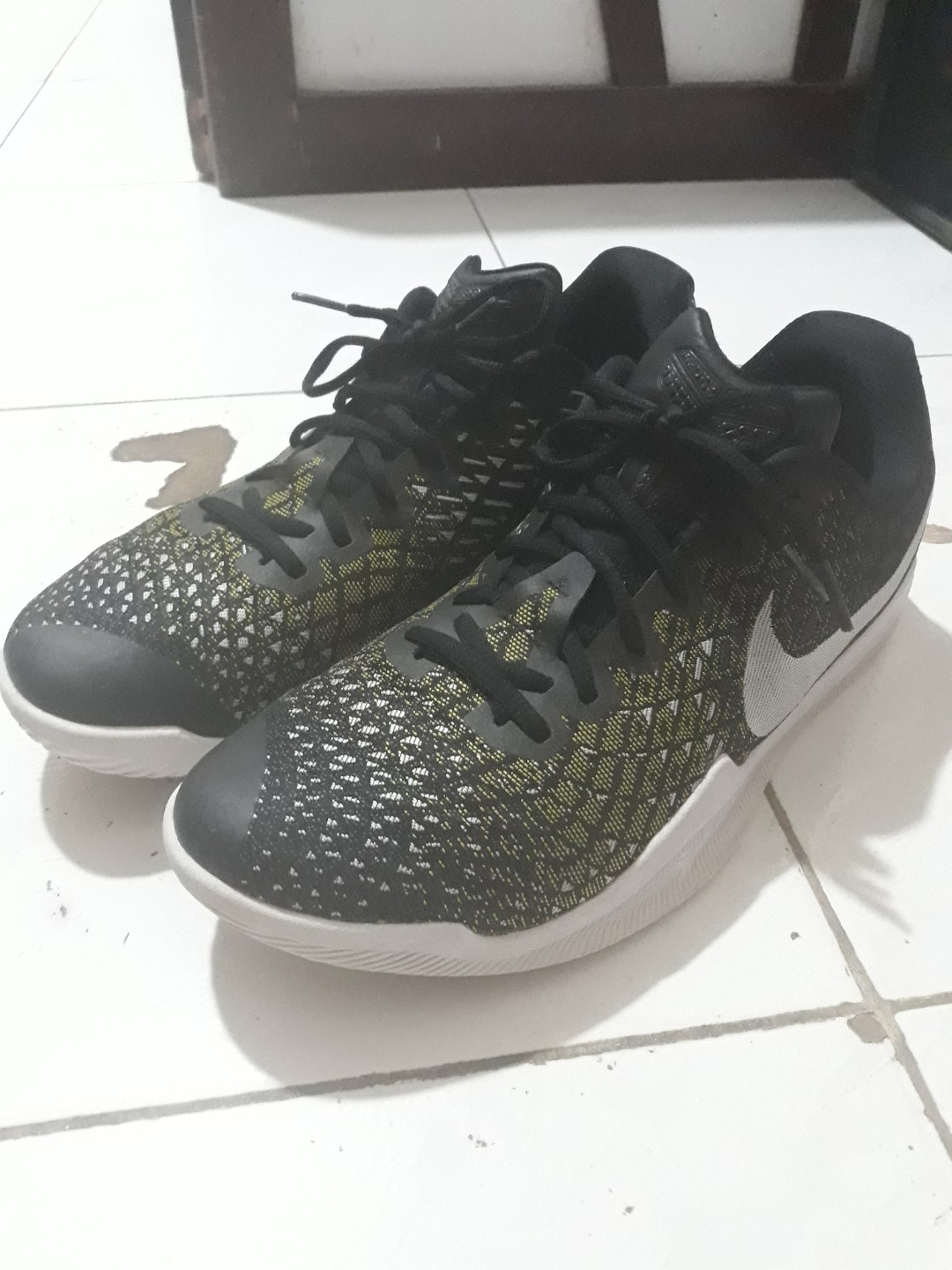 b7b25a24c755 Nike Kobe Mamba Instinct Basketball Shoes