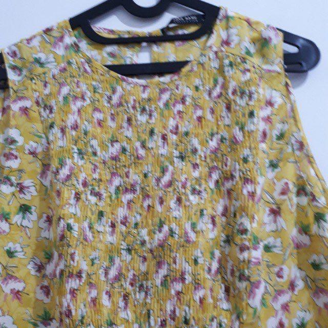 Zara flowery top yellow