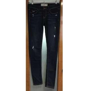 7️⃣Hollister low rise distressed super skinny jeans
