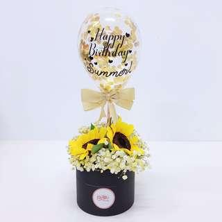 """5"""" personalised balloon with flower box 🌹"""