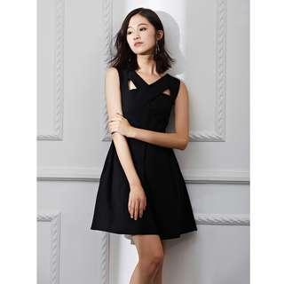 歐美同款交叉吊帶收腰洋裝 顯瘦修身連身裙 小黑裙 黑色洋裝