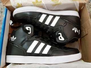 🚚 全新!!!愛迪達adidas球鞋