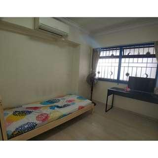 ★BIG common room 3mins away from Redhill MRT!★