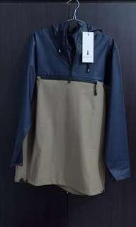 JUAL RUGI! Anorak Jacket / raincoat dari brand Rains