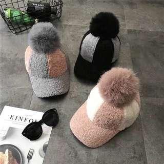 🚚 粉色毛球帽