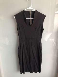 Calvin Klein dress size M