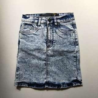 🚚 factorie acid wash denim stretch skirt