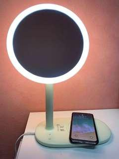 F FAST WIRELESS CHARGING LED MIRROR DESK LAMP