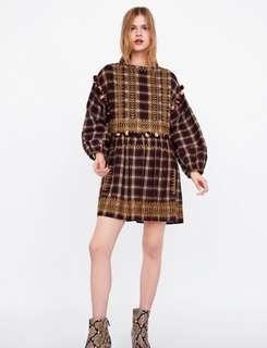 🚚 Zara 絨球裝飾格紋洋裝 連衣裙 燈籠袖洋裝(M)~原價1990元