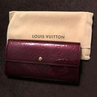 🚚 Louis Vuitton Vernis Sarah Wallet
