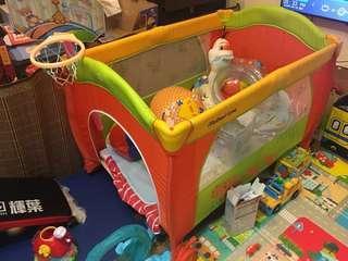嬰幼兒遊戲床