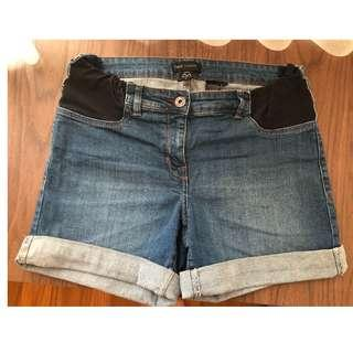 Maternity denim bermudas/ shorts (mid wash)