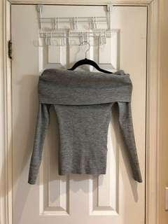 Wilfred Aritzia Knit Off Shoulder Grey Top size XS