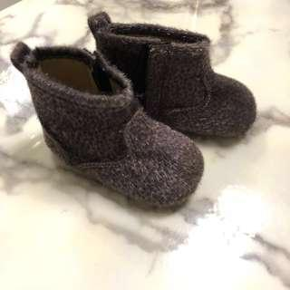 🚚 Baby Boots Size 3 Cotton On