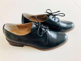 Leather shoes from Korea #mcsfashion