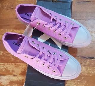 ffc60282210e Converse Chuck Taylor All Star size 8 US for women