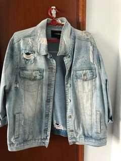 🚚 Ripped Denim Jacket