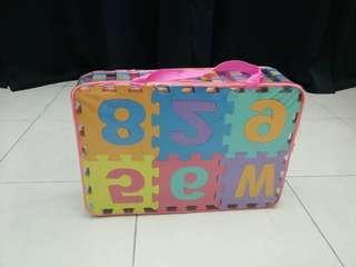 Letters & numbers foam mat