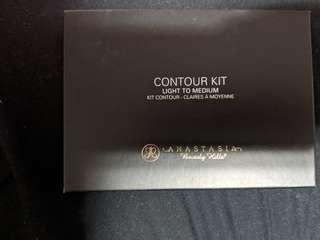 Anastasia contour kit light to medium