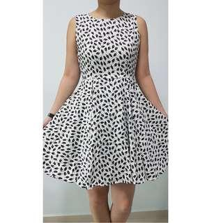 Brand White Flare Dress with Black Leaves Prints (with lining)