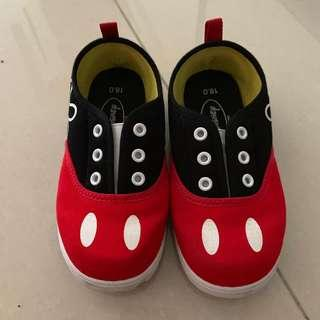 🚚 Mickey mouse shoes