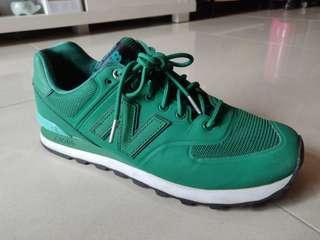 Mint New Balance Sneaker Shoe in Green
