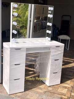 Vanity dresser frameless