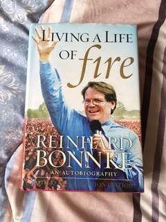 🚚 Reinhard Bonnke book - Living a Life on Fire