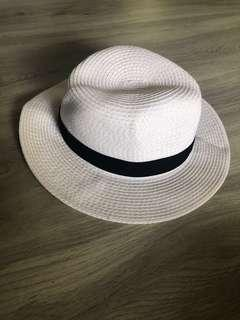 cefd57a7b4f578 straw hat beach | Caps & Hats | Carousell Singapore