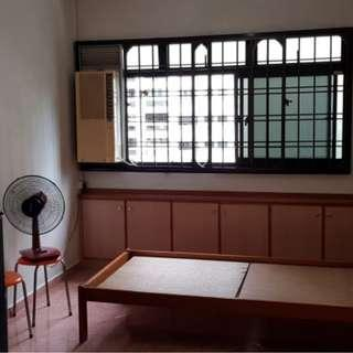 Opposite Bukit Panjang Plaza Blk 545 Common Rooms For Rent Nearby Bukit Panjang MRT, Hillion Mall All Ladies Environment