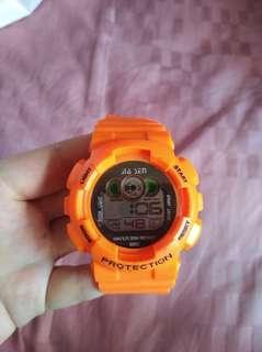 🚚 Customizable light digital watch