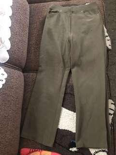 Celana kulot hijau